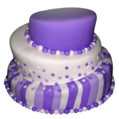 Třípatrový svatební dort fialový - svatební dorty Praha
