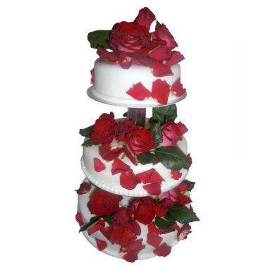 Svatební dort srůžemi