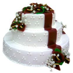 Třípatrový svatební dort s marcipánovými růžemi - svatební dorty Praha