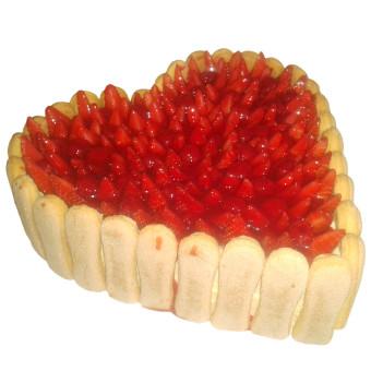 Piškotovo jahodový dort ve tvaru srdce