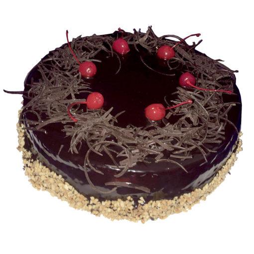 Čokoládový dort s třešněmi a oříšky